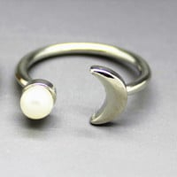 Pearl Moon Ring