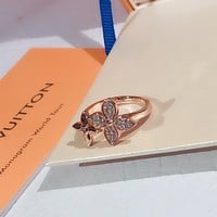 LV Louis Vuitton Woman Fashion Accessories Fine Jewelry Ring & Chain Necklace & Earrings Newest Popular Women Delicate