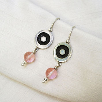 Earrings in Sterling Silver and Rose Quartz Stones - Pink Rose Stones - Circle Earrings - Silver Light Pink and Black - Contemporary Jewelry