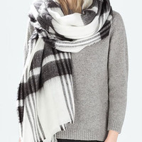 Stripes Pattern Knitted Scarf