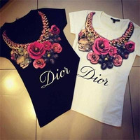 Dior Women's Trending Popular Fashion Floral Printed Short Sleeve Alphabets Words Necklace Collarbone Chain T-Shirt _ 4605