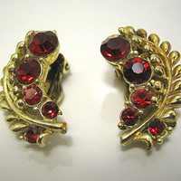 Vintage Red Rhinestone Earrings Gold Tone Star Signed Leaf Design Clip Back Mid Century Womens Formal Jewelry