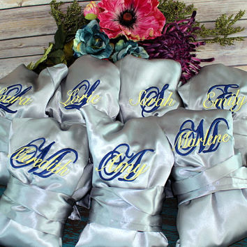 Bridesmaid Robes - Set of SEVEN - Bridesmaid Gifts - Satin Robe Set - Monogrammed - Wedding Robes - Getting Ready Robes - Wedding Pictures