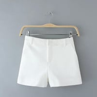 White Patterned Zippered Shorts With Pockets
