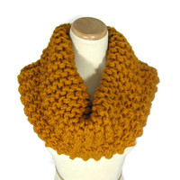 Outlander Claire Inspired Cowl, Butterscotch Cowl, Mustard, Gold,  Bulky Cowl,  Hand Knit Cowl, Circle Scarf, Bulky Cowl,
