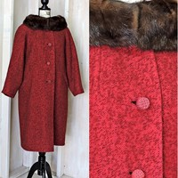 Mid century swing with mink collar  / S /  M / Vintage 50s red ecru wool overcoat / 1950s long winter coat