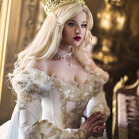 2017 Vintage Medieval Cinderella Bridal Gold Lace Wedding Dresses with 3/4 Sleeves Sexy V Neck Organza Ruffles Wedding Gowns