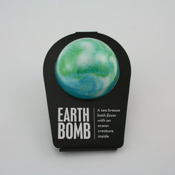 THE EARTH BOMB, Bath Bomb, bath fizzer, Bath Fizzie, Surprise Inside, Good Cause, Bath an  Body, Money Donated to Save Our Oceans