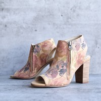 final sale sbicca - thea women's floral print ankle bootie