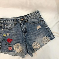 Fashion Summer Break Flowers Embroidered Denim Shorts