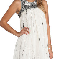 White Sleeveless Beaded Tribal Embroidery Back Cut Out Pleated Mini Shift Dress