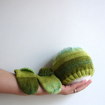 Baby hat and socks, green and blue stripes, newborn, 3-6 month or 6-12 month old baby, perfect for twins