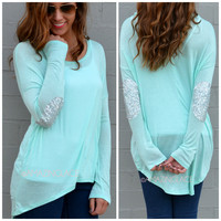 SZ MEDIUM Rock Candy Mint Sequin Elbow Patch Top