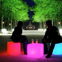 """Outdoor LED Light Cube 16"""" - Cordless with remote control, Waterproof"""