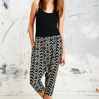 Ikat Print Lounge Pants in Black and White - Urban Outfitters