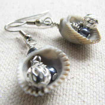Beach Shell Earrings - Sea Shell Jewelry. Beach Wedding Jewelry, Gray Tone, Natural Ocean Nautical Earrings