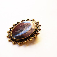 House Lannister of Casterly Rock Crest - Game of Thrones Jewelry - A Song of Ice and Fire - Handmade Vintage Cameo Brooch