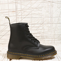Dr. Martens 8 Eyelet Boots in Black - Urban Outfitters
