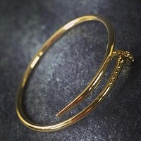 """""""Carti"""" exquisite fashion personality nail bracelet Gold"""
