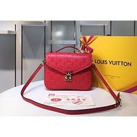 LV 2019 new messenger bag retro handbag diagonal female bag Red