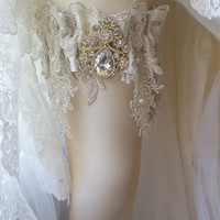 Wedding leg garter, Pearl Lace Garter, Rustic Wedding Garter,  Bridal Garter , Cream Lace Garter,  Wedding  Accessory, Rhinestone garter
