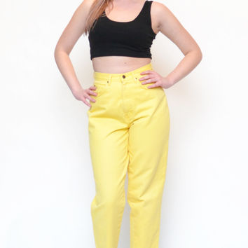 80s 90s BANANA yellow high waist denim jeans // spring summer hipster GRUNGE tapered statement mom jeans crop pants