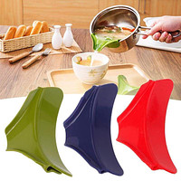 Multifunction Silicone Slip On Pour Spout for Pans Bowls