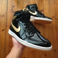 Jordan 1 Retro Black Metallic Gold (2013) 555088-019