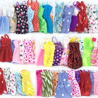 NK 16 Items/Lot=10 Pcs Mix Sorts Beautiful Party Clothes Fashion Dress +6 Pcs Plastic  Necklace  For Barbie Doll Best Gift Toys