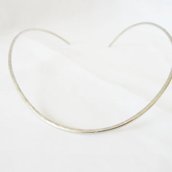 Hammered collar silver tone necklace, Gift under 40