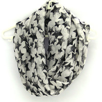 Black White Circle Scarf. Infinity Scarf with Stars. Eternity Scarf. Women Accessory.