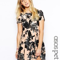 ASOS PETITE Exclusive Smock Dress in Floral Print - Floral print