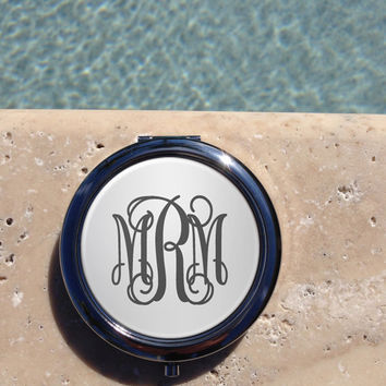 Silver Monogram compact mirror,Personalized Compact Mirror, Custom,mirror,Compact Mirror,Bridesmaid Gift,Wedding party gift,Gifts for her