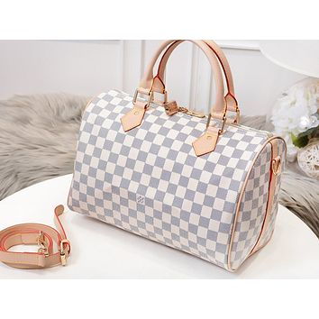 LV Louis vuitton sells women's casual shoulder bags with fashionable printed duffel bags #5