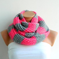 Knit Striped Gray and Pink Hand knitt infinity scarf Block Infinity Scarf. Loop Scarf, Circle Scarf, Neck Warmer.