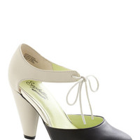 ModCloth Colorblocking Close Your Eyes Heel in Stone