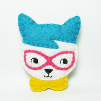 Fancy Fox with glasses and a Peter Pan collar felt brooch
