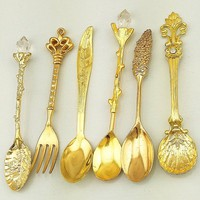 Coffee Spoon Teaspoon 6pcs/Set Kitchen Dining Bar Nostalgic Vintage Royal Style Metal Carved Coffee Spoons and Fork for Sweet
