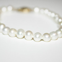 Vintage Pearl and 14K Gold Bracelet 7.5 in - free shipping