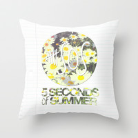 5SOS Daisies Throw Pillow by dan ron eli | Society6