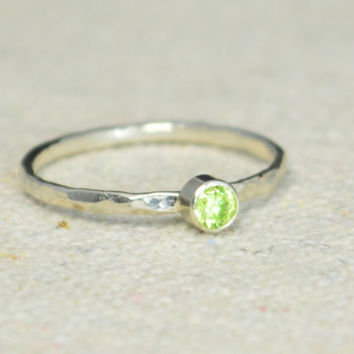 Classic Sterling Silver CZ Peridot Ring