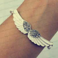Wings jewelry bracelet, classical and fashionable jewelry bracelet, wings of angel gift