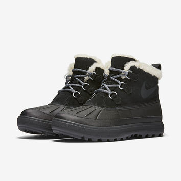 The Nike Woodside Chukka 2 Women's Boot.