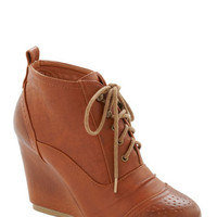 ModCloth Forever Flaunted Wedge in Chestnut