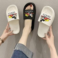 LV Louis Vuitton New Flip Flops Ladies Thick Soled Beach Sandals And Slippers Wild Student Slippers Shoes