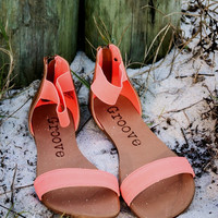 GROOVE Electric Slide Coral Sandals