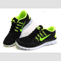 NIKE running breathable casual shock Damping running shoes Black fluorescence