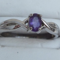 Silvertone Ring With Pretty Amethyst Stone, Size 8, Nice Looking Little Ring