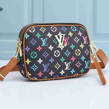 LV Louis Vuitton new product printed letter gold buckle messenger bag shoulder bag shopping bag cosmetic bag