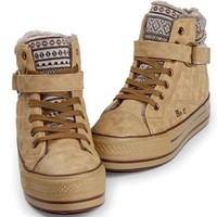 Warm Cotton-padded Thick Platform Shoes with Lace-up Fastening